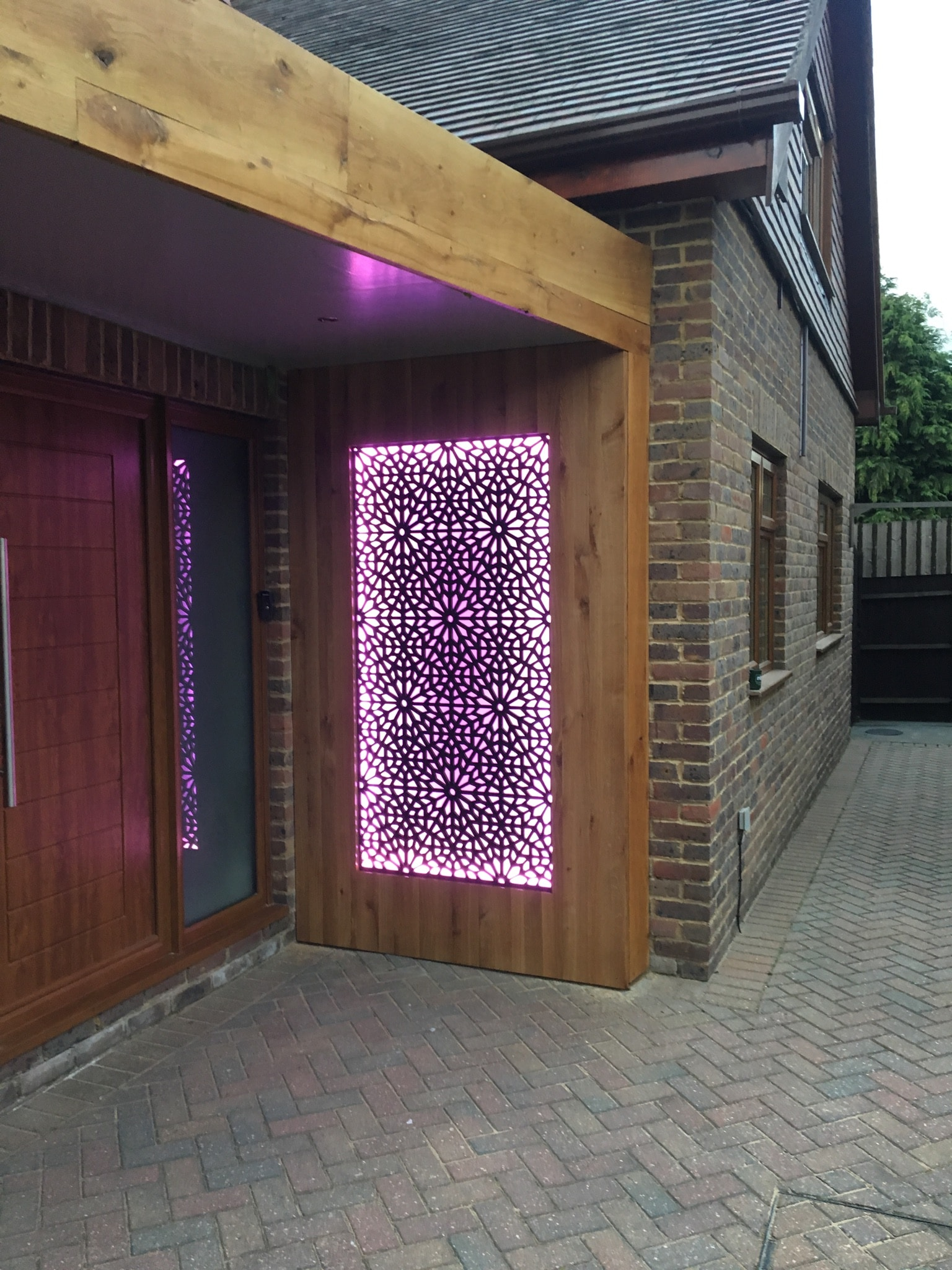 Decorative lighting panel.