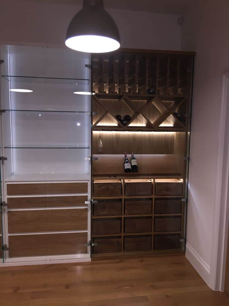 Wine and glass storage with hunting bar glass ruck